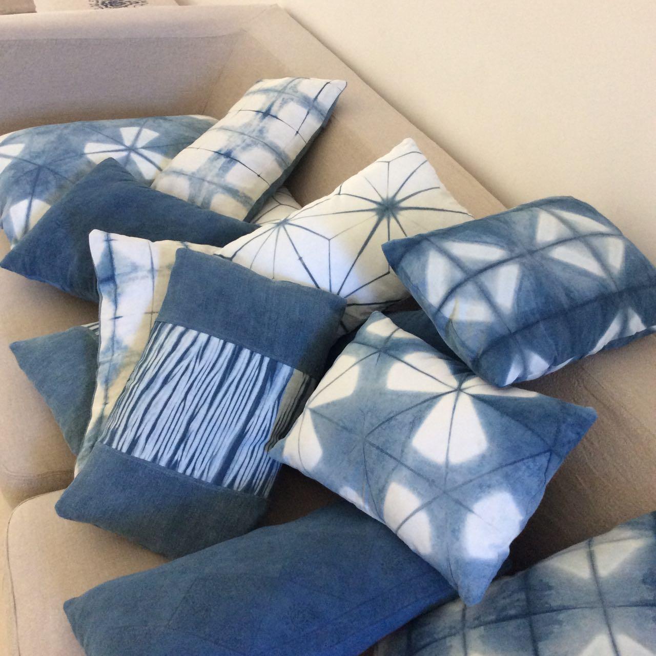La Baye des Anges, cushions Mei Line