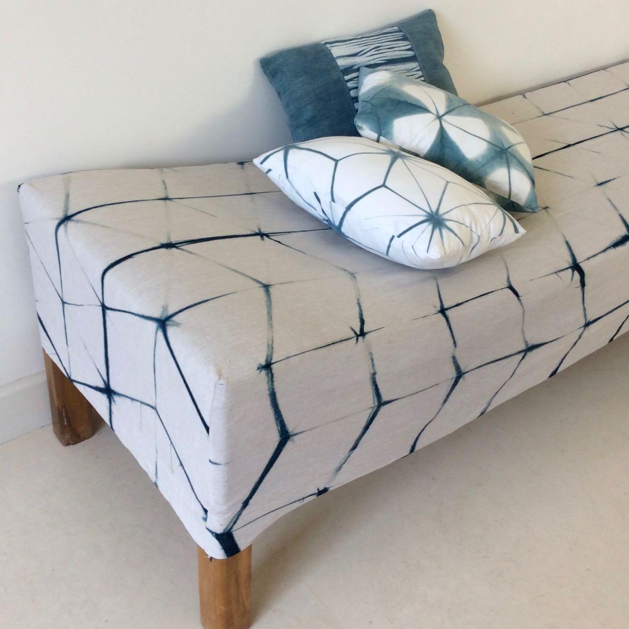 La Baye des Anges, indigo cushions