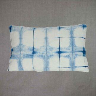 Mei Line cushion Indigo shibori